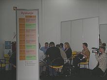 Przy trzech stołach dyskusyjnych można było porozmawiać m.in o tym, co użytkownicy chcieliby zmienić w Allegro, jak zbudować zaufanie u potencjalnych kontrahentów, czy zagrożeniach i korzyściach z negatywnych komentarzy