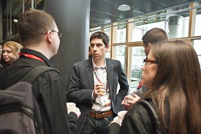 Dyskusje kuluarowe <br>fot. Piotr Gęsicki