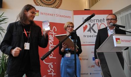 Rozdanie Nagród Internet Standard (od lewej: Maciej Budzich, Agnieszka Świtkowska, Dariusz Sokołowski).