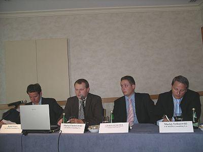 od lewej: Rafał Oracz, Maciej Chodorowski, Gwidon Humeniuk, Maciej Teliszewski w czasie dzisiejszej konferencji