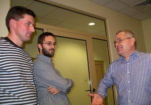 Autorzy Antidotum omawiają projekt. Od lewej: Marek Ścibior - Polityka, Leszek Olszański - Gazeta.pl oraz Krzysztof Urbanowicz - Mediapolis