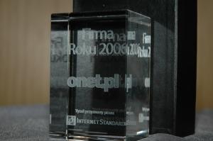 Statuetka dla Onet.pl - firmy roku 2006 według Internet Standard