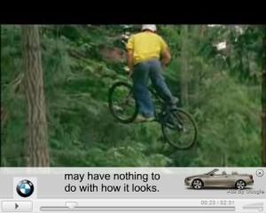 Gdy oglądający film kliknie w pasek na dole zostanie odtworzona reklama wideo