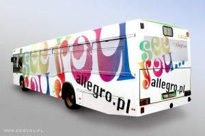 Reklama Allegro na autobusach w obecnej kampanii See you