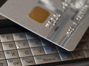 Jak wybrać dostawcę płatności online?