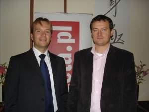 Od lewej: Tomasz Józefacki, dyrektor pionu internet Agora SA oraz Dominik Kaznowski, dyrektor marketingu pionu internet Agora SA