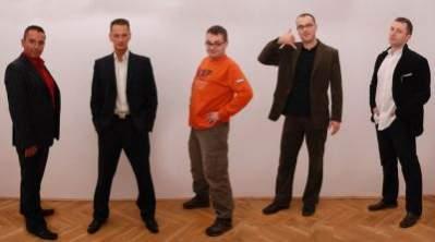 od lewej: Przemysław Fuksa - dyrektor generalny Opcom, Krzysztof Adamus - dyrektor kreatywny Opcom, Mateusz Zmyślony - dyrektor kreatywny Grupa Eskadra, Sebastian Oprządek - dyrektor zarządzający Grupa Eskadra, Piotr Sawiński - dyrektor działu realizacji Grupa Eskadra