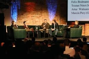 Panel dyskusyjny. Od lewej: Marcin Pery - Gemius, Clara Llamas - Trader Media East, Tristan Nitot - Mozilla Europe, Artur Waliszewski -  Google Polska. Maciej Wicha - Gazeta.pl